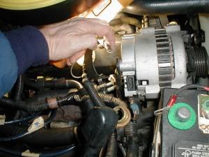 TRPR ALT 02 300x225 alternator fix trooper v6 com Isuzu Trooper Alternator Bracket at panicattacktreatment.co